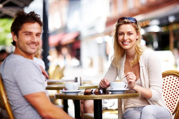 couple-on-first-date1-8777778